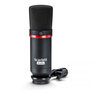 Scarlet-2i2-studio02
